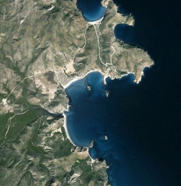 San Juanico by Google Earth. The houses are where the dirt road comes in from the north. The main estuary comes in about 9 o'clock and the ranchito  and ridge trail about 6:30.